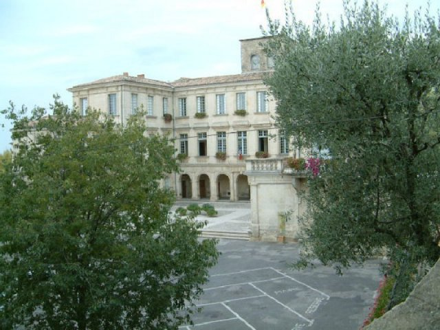 Valréas in the heart of Provence
